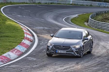 El Opel Insignia GSi es 12 segundos más rápido que su predecesor en Nürburgring