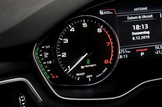 Audi A4 Avant g-tron - interior