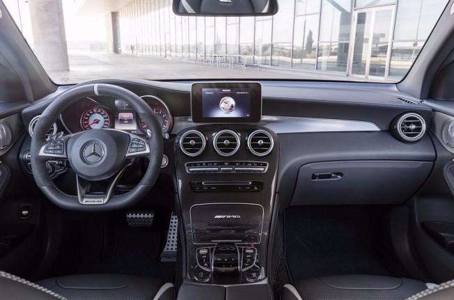 Mercedes-AMG GLC 63 S 4MATIC+ - interior
