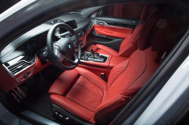 BMW 740e iPerformance M Performance SEMA Show 2017
