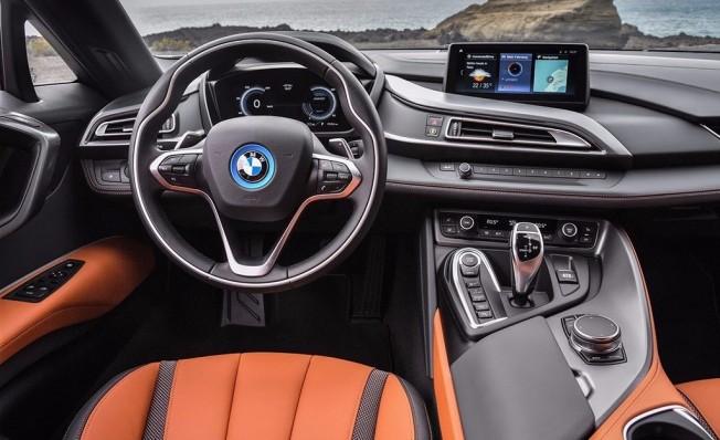 BMW i8 Roadster 2018 - interior