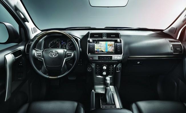 Toyota Land Cruiser 2018 - interior