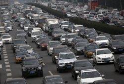 China finalizará la producción de medio millar de coches contaminantes