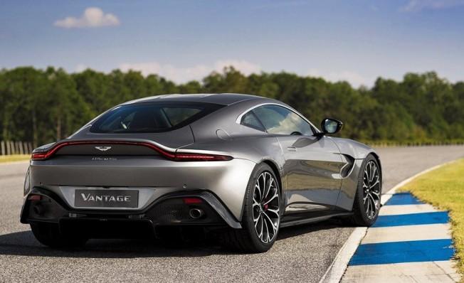 Aston Martin Vantage 2018 - posterior