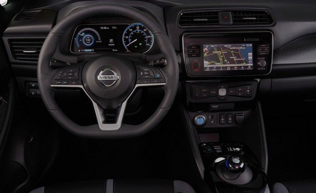 Nissan Leaf 2018 - interior