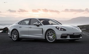 El nuevo Porsche Panamera E-Hybrid es un éxito entre los conductores europeos