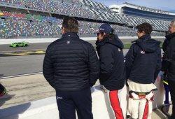 Comienza el 'Roar Before' con breve presencia de Alonso en pista