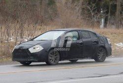 El nuevo Toyota Corolla sedán cazado en su configuración definitiva