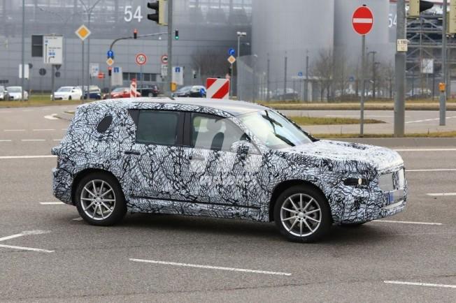 Mercedes Clase GLB - foto espía lateral