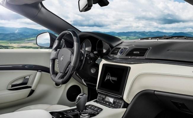 Maserati GranCabrio 2018 - interior