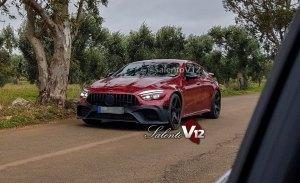 El nuevo Mercedes-AMG GT4 más destapado que nunca en unas nuevas fotos espía