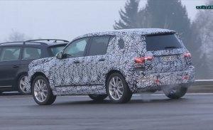 Un vídeo espía del Mercedes GLB revela parte del nuevo diseño de las luces traseras
