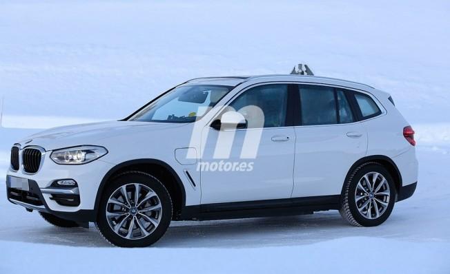 BMW iX3 2020 - foto espía lateral