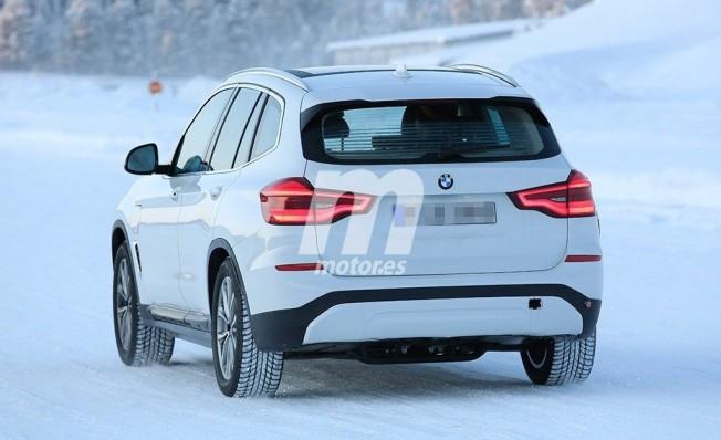BMW iX3 2020 - foto espía posterior