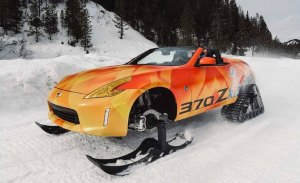 El Nissan 370Zki es un 370Z Roadster convertido en una moto de nieve