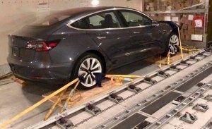 Cazados los primeros Tesla Model 3 rumbo a Alemania... ¿para ser destripados?