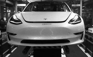 Los Tesla Model 3 con destino Europa se van a demorar un poco más