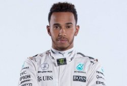 Ya es oficial: Hamilton renueva su contrato con Mercedes