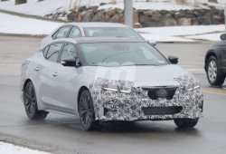 Primeras fotos espía de la actualización que Nissan prepara para el Maxima 2019