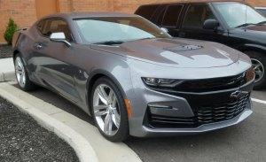 Así se luce el polémico diseño del Chevrolet Camaro 2019 en la calle