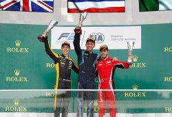 Alexander Albon logra una frenética victoria en Bakú; Merhi, 8º y 'en pole'