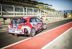 Michelisz se lleva la primera pole del WTCR en Hungría