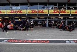 """Ricciardo y Verstappen optan por no culparse: """"Pedimos perdón al equipo"""""""