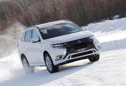 Rusia - Marzo 2018: Mitsubishi se crece gracias al Outlander
