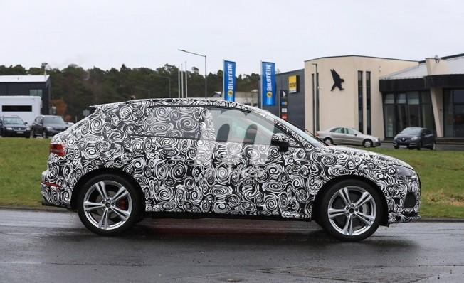 Audi RS Q3 2019 - foto espía lateral