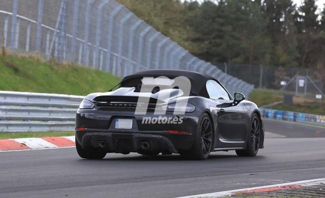 Porsche 718 Boxster Spyder - foto espía posterior