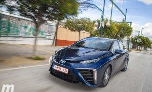 Toyota Mirai a prueba, el coche japonés de hidrógeno (con vídeo)