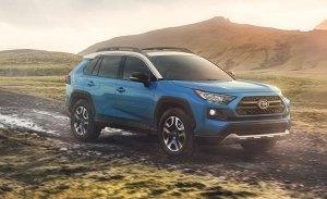 Toyota no descarta un RAV4 de siete plazas