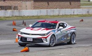 El Chevrolet Camaro PHEV de la Universidad de Ohio vence la EcoCAR 3