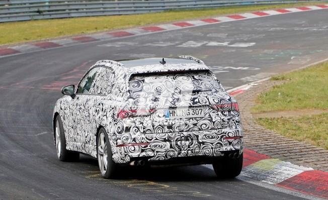 Audi RS Q3 2019 - foto espía posterior