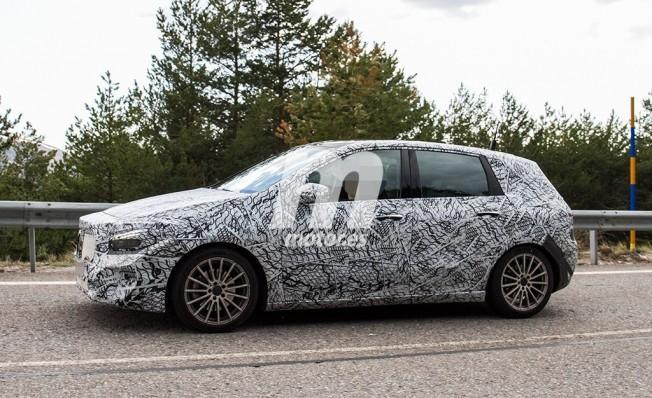 Mercedes Clase B 2019 - foto espía lateral