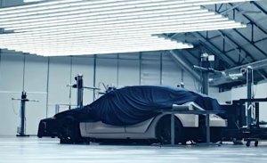 Tesla adelanta un misterioso nuevo modelo en su último vídeo