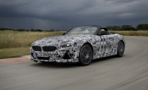 BMW adelanta la nueva generación del Z4 posando en la pista de pruebas de Miramas