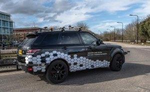 Jaguar Land Rover inicia las pruebas de comunicación entre coches y el entorno