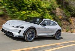 Porsche ya trabaja en el Taycan Cross Turismo que llegará en 2021