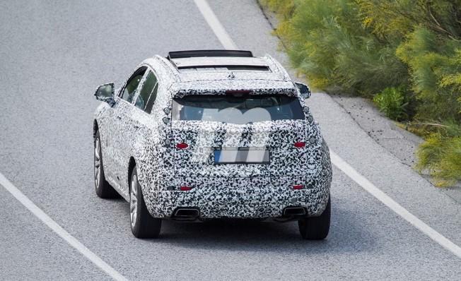 Cadillac XT4 2019 - foto espía posterior
