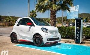 Probamos la red de carga de Endesa en Ibiza junto al Smart Fortwo ED Ushuaïa Edition