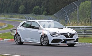 El nuevo Renault Mégane RS Trophy ya rueda por Nürburgring