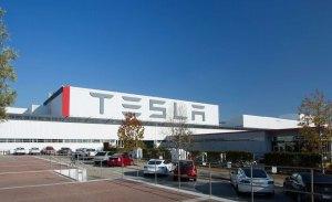 Tesla despedirá al 9 por ciento de su plantilla, más de 3.000 personas