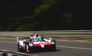 Toyota rompe su maleficio con Alonso como gran estrella