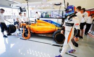 """Alonso: """"Tenemos alguna mejora para esta carrera"""""""