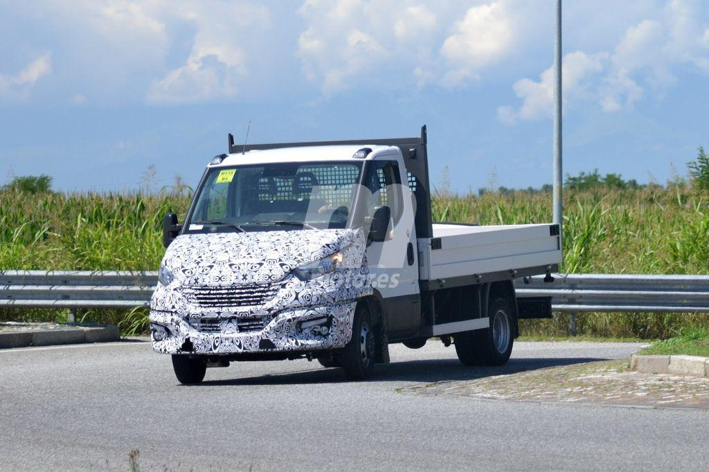 2014 - [Iveco] Daily - Page 3 Iveco-daily-facelift-fotos-espia-201848826_14