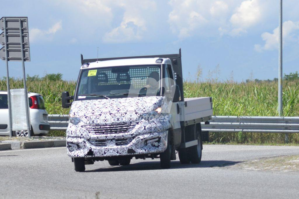 2014 - [Iveco] Daily - Page 3 Iveco-daily-facelift-fotos-espia-201848826_16