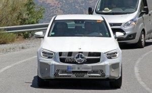 Nuevas fotos espía del lavado de cara del Mercedes GLC Coupé revelan la iluminación de sus luces traseras