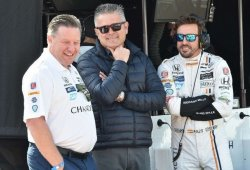 Brown detalla el rol de Alonso y de Ferran en la nueva McLaren