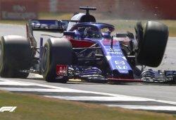 El fuerte accidente de Hartley marca los terceros libres en Silverstone